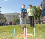 Молодые семьи выясняли, кто из них самый спортивный