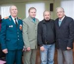 Фрунзенских защитников Отечества с праздником поздравили литераторы Сумщины