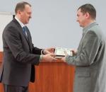 Городской глава наградил фрунзенца за поддержку бойцов, которые защищают Украину