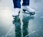 Где и за сколько можно покататься на коньках в городе?